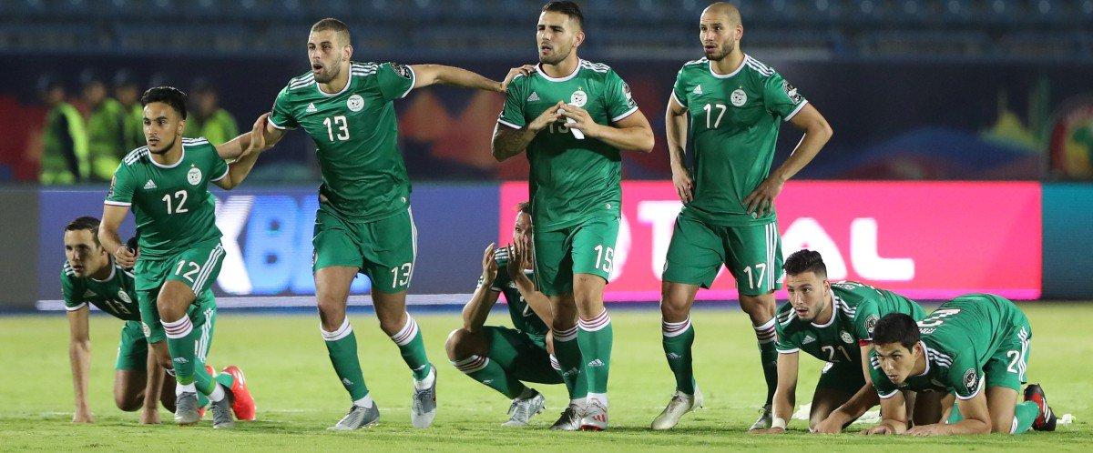 Photo of Son coeur a lâché durant les tirs aux buts: Décès d'un supporter algérien.