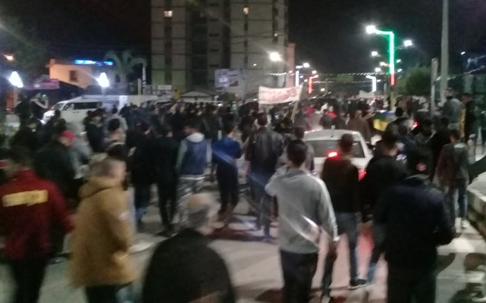 Photo of Manifestation de nuit à Alger contre les élections